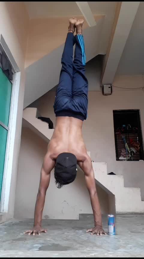 #handstandpushups 🌧🔥 #handstand #calisthenics #workout #martialarts #strengthtraining #roposo