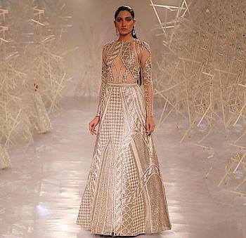 #ICW2019 #FDCI #coutureweek  @aditiraohydari @PankajandNidhi  #couturefashion