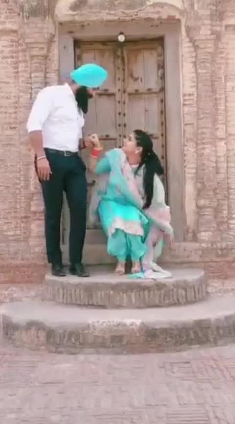 gift plz 😘 😍😘🤴👸 🤗#ropo-video #celebritymakeupartist #soniyamehra #poojasharma #diorsunglasses #beutie #ropo-punjabi-beat #roposo-good-comedy