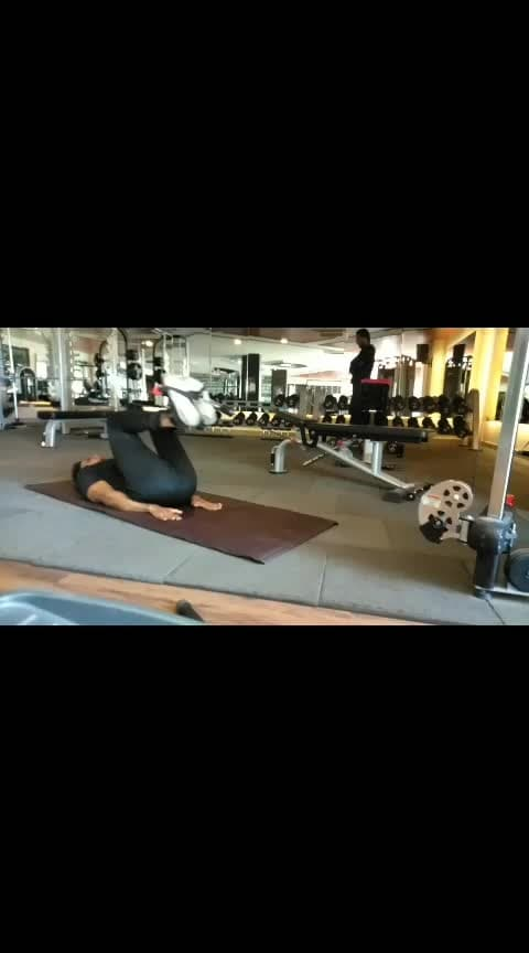 knee raises with cable machine🔥🔥...   #roposo #roposoness #roposoers #abworkout #lowerabsworkout #exerciseeveryday #fitnessmotivation #fitnessgoals #fitnessmodels #risingstars #risingstarschannel