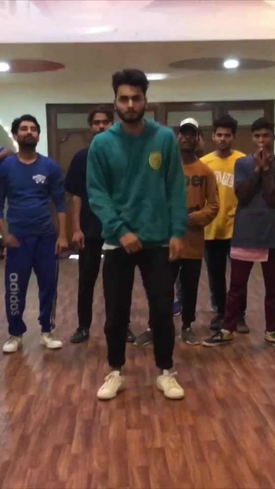 Join my regular Classes ever weekend. Check out my insta for more details. #dance #roposo-dance #dancer #chrisbrown #strangerthings #mohitsolanki