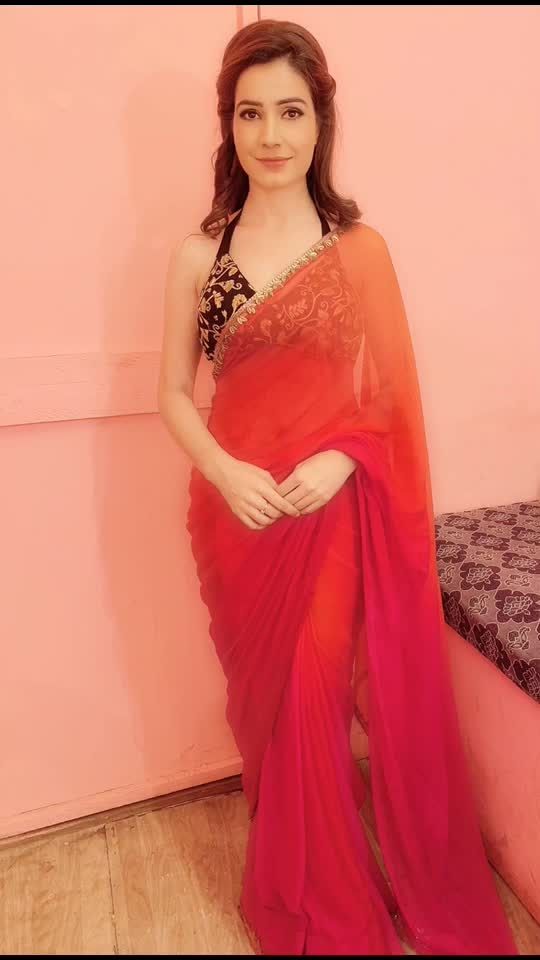 Look test🎥 #looktest #modern #character #saree #peach #pink #sareelover #sareeobsession #set #artist #actorslife #actor #indiantouch #indiawear #ethnic #traditional #indianoutfit #indianattire #instapic #potd #instasaree #instagram #pinkysinghartist #pinkysingh #blessed