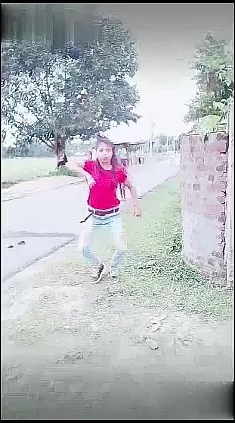 🙈mera wala dance#merawaladance #simba #hiphop #hiphopdance #bollywoodcrazy #beats #dance #roposo #roposo-dancer #staroftheweek @lovemissingh10 Tanisha Manisha Krishna Roposo Roposo Roposo Roposo