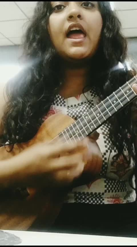 I got that summertime, summertime sadness!  Sorry for the wrong camera angle 😅 my phone screen can't get a grip dammit! 😂 #music #roposoness #unplugged #unpluggedversion #lanadelrey