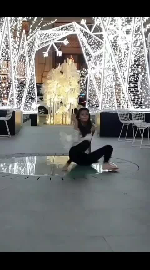 #qismat #followmeoninstagram  #contemporarydance #saturday #kismat_badal_di_dekhi_mai #likesharecommentfollow