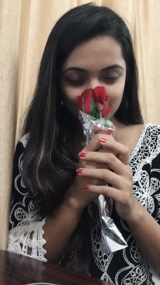 Dekha hazaro dada.. #dekhahazarodafaa #roposostar #risingstar #girls #beauty #romanticsong #rose #roposo-beats #filmistaanchannel