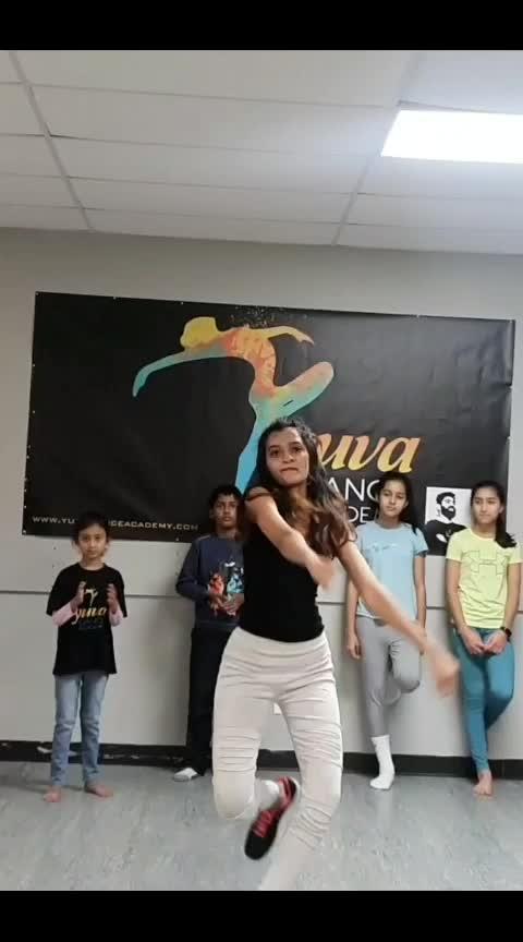 #lamberghini #usa  #workshops #youtubevideo  #subscribenow  #roposo-dance #likeshare