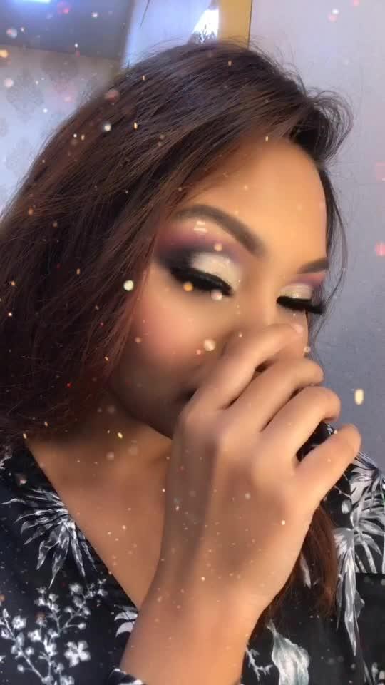 Tainu takkeya te dull gayian akhiyan akhiyan Saari duniya nu bhull gayian akhiyan akhiyan 🎶🎵 . . . . #priyaancka #tiktok #tiktokindia #tiktokindiaofficial #tiktokmakeupcallenge #happy #makeup #makeuplooks #makeupinspo #makeupoftheday #makeuptransformation #beauty #followme #instafollow #beautyblogger #influencer #delhiblogger #makeuponpoint #makeupobsessed #bollywood #rahatfatehalikhan #delhi #gurgaon #gurgaonblogger #cyberhub #gold #colorfulmakeup