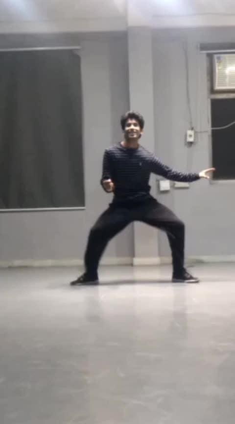 part 2 #roposo #sheherkiladki #lockingdance