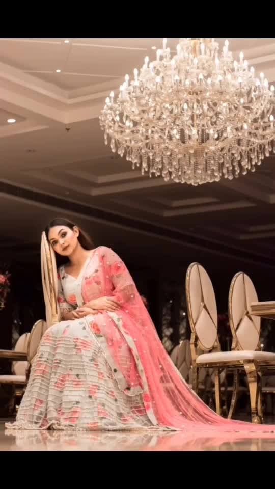 There are so many beautiful reasons to smile.  And one is @rentanattire , why spend so much on a lehnga when you can rent one. Love the entire collection, they've got outfits from sangeet, haldi- mehndi to wedding. And not just for the bride or her friends, they've got an amazing collection for grooms too.. . . #priyaancka #wedding #weddingsofinstagram #bride #indianbride #indianweddings #indianethnicwear #pastel #bridalmakeup #indianbridal #indianbridalmakeup #lehenga #followme #instafollow #weddinglehenga #designerlehenga #lehengainspiration #sangeetoutfit #sangeet #influencer #delhiblogger #delhi_gram #delhifashionblogger #fashionblogger #fashioninfluencer #weddinginspo #outfitinspo #lehengacholi