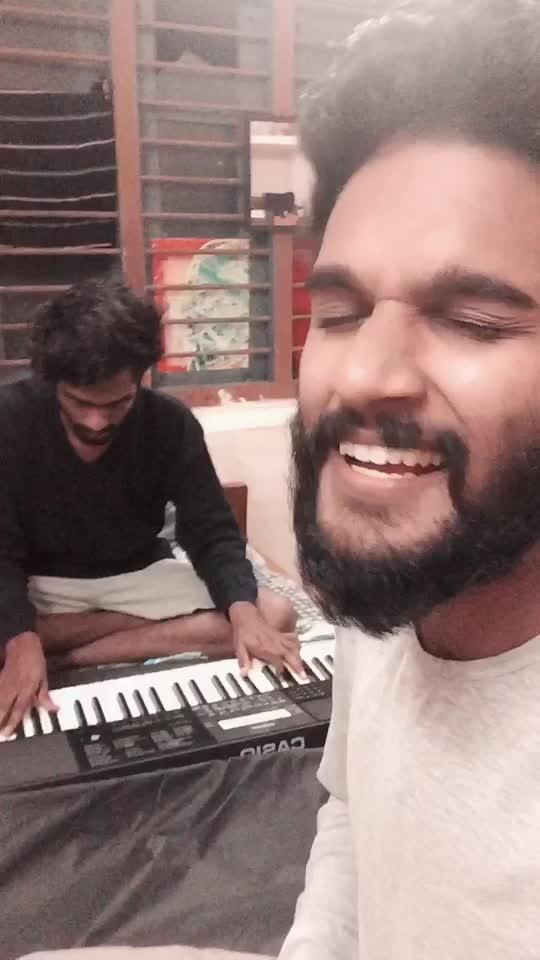 Parayuvan ithadhyamay...guitar cover with rohin nallat.. #hostelvibes #ownvoice #ownvoicemalayalam #malluvideos #malayalam #ropososinger