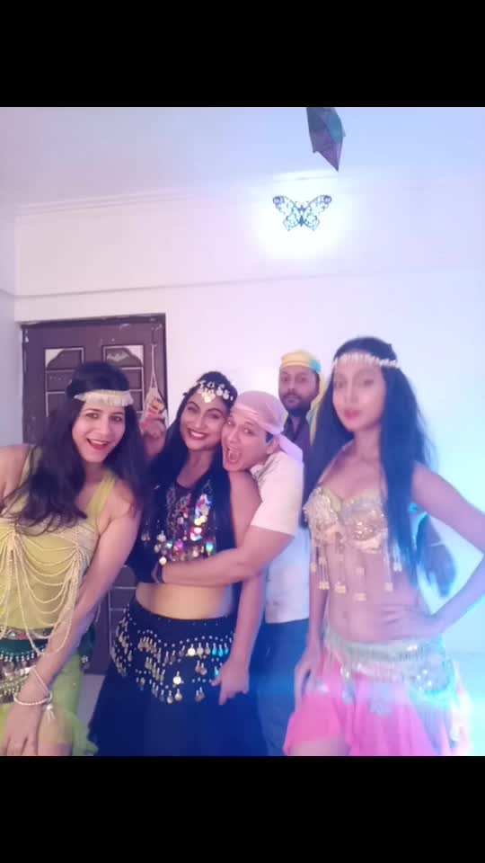 Happy Happy Birthday Precious @mellupais ❤️❤️❤️❤️ The party last night was rocking n how n ur Arabian Theme worked like wonders n people please don't miss the belly dancing videos 🤣🤣🤣🤣 #birthday #birthdaygirl #birthdayparty #madgang #pics #funnight #crazynight #hadablast