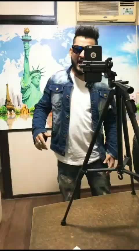 Behind the shoot #roposostarschannel #roposostar #influencer #comedy #sauravsquad 7#delhiinfluencer #bloggers #delhiblogger