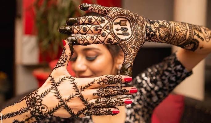 Bless Your Hands with these Unique Bridal Mehendi Designs.! Checkout : https://www.weddingplz.com/blog/bless-your-hands-with-these-unique-bridal-mehendi-designs/ . .  #wedding #mehendidesigns #mehendiceremony #bridalmehendi #BlackTieProject #mahabsyi #shwetasmehendi #poojaandnidhi #divyapatel #kartikbhagat  #Shutterink #shutterdownphotography #payalsharma #alankritaabyrashi #capturememories #VipulSharma