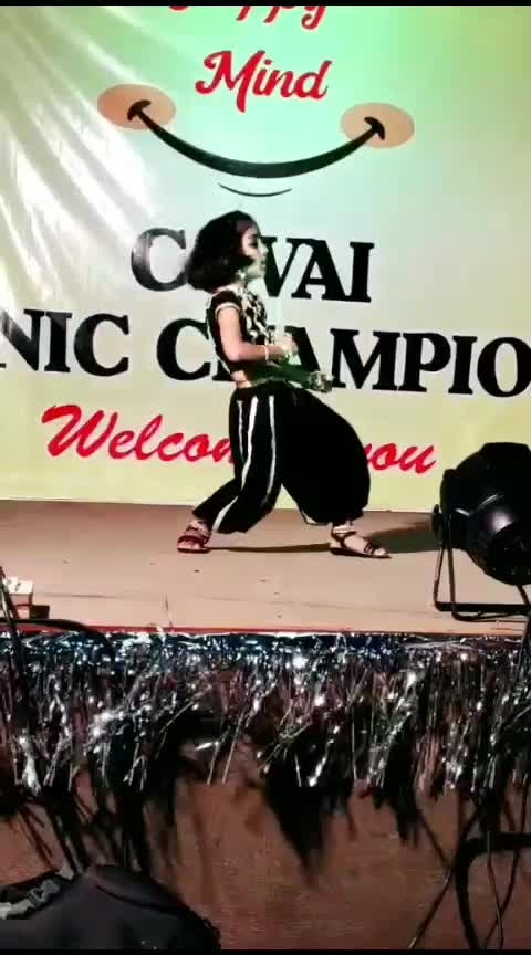 what a cute performance 😍💃 she nailed it 🤩show's topper cutekid