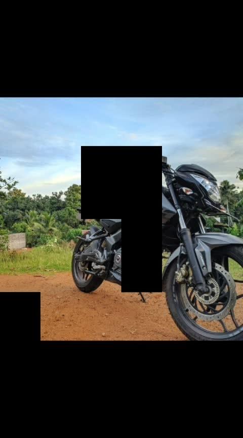 #ns200 #pulsarrs200 #ride #riderforlife #bajaj #petrol #200ns #blackpanther