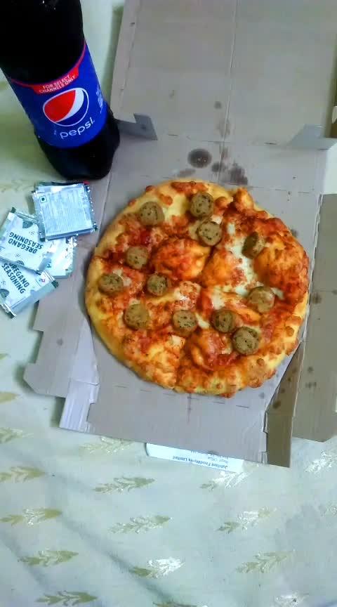 #food #foodporn #foodblogger #foodfacts #foodlover #foodporn #pizza #pizzaisbae #pizzalover #pizzatime