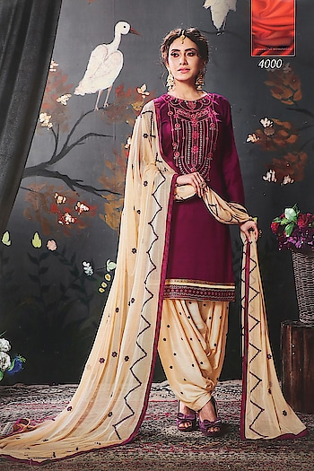 Designer Partywear Embroidery Cotton Patiala Suits ♥ Price:- 1500/- For Similar Visit 👉 https://bit.ly/2ILiWRZ To Order Whats-app us (+91) 8097909000 * * * * #salwar #salwarsuits #dress #dresses #longsuits #suitsonline #patialasuits #onlinepatialasuits #embroidered #fashion #fashion #lookalike #exclusive #patialadressmaterials