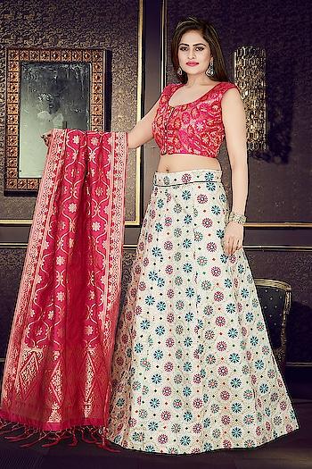 Exclusive Designer #Readymade Lehenga Choli Collection ♥ Price:- 3600/- For Similar Visit 👉 https://bit.ly/2VBkVLC To Order WhatsApp us (+91) 8097909000 * * * #lehengas #weddingwear #bridalwear #partywear #partywearlehenga #readytowear #readymade #indianwedding #desiwedding #bride #desibride #indianbride #garba #navratri #designer #onlineshopping #wedding #ethnic #beautiful #blue #blouse #elegant #US #usa #internationalshipping #worldwideshipping