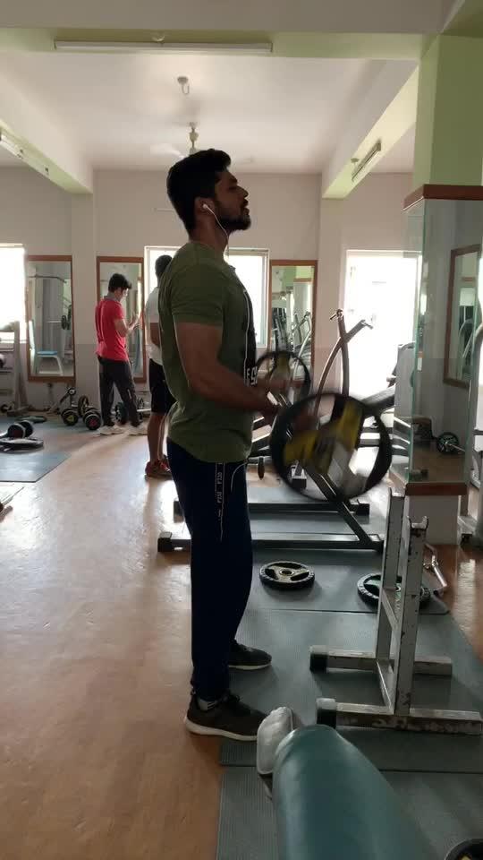 (1) Biceps workout #barbelcurls #biceps workout #workout #workoutmotivation #roposo