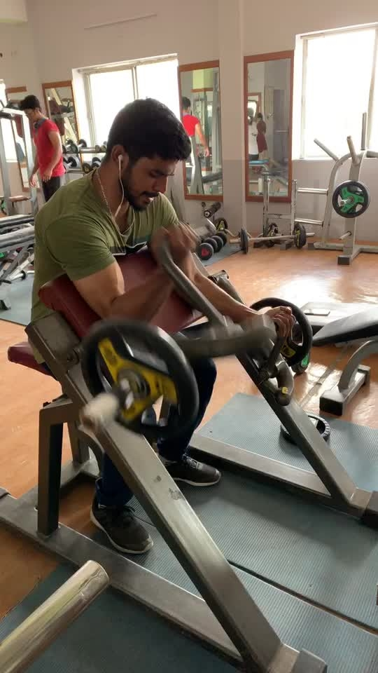 Biceps workout #biceps #bicepsworkout #workoutmotivation #roposo