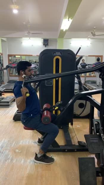 Lats pull down workout #lats #latsworkout #workout #workoutmotivation #roposo