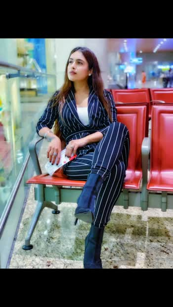 Candid while waiting for the boarding ... ✈️✈️♥️ : : #airportlook #airportstyle #jaipur #airportfashion #airportphotography #travelphotography #travelblogger #csia #travelling #travelinstyle #travelwithme #pollywoodactress #punjabi #teampollywood #bollywood #nehamalik #model #actor #blogger #instantpollywood #instagram