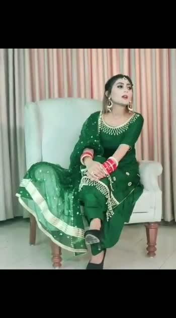 #bride #bridesmaids #brideopedia #bridetobe #brides #bridesofindia #bridesof2018 #bridesofinstagram #bride-lehenga #brideandgroom #highheels #highheelshoes