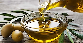 Here Are Some Of The Most Interesting Olive Oil Beauty Benefits To Change The Game Olive oil is the most useful and beneficial oil, specially in the beauty field. Some of the most amazing benefits of Oilive oil. Read more- https://rapidleaks.com/lifestyle/beauty/olive-oil-beauty-benefits/ #roposo #roposostar #roposostars #roposobeauty #roposo-wow #roposo-morning #roposoness #ropsooindia #roposolifestyle #roposolifestyles #roposolifestyleblogger #lifestyleblogger #lifestylebloggers #lifestyleblog #olive #olivegreen #oliverapparels #oliveoilbenefits #oliveoil