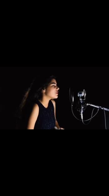 click on the link below to watch the full video https://youtu.be/EAMB-lafA8Y  This is my cover of Teri Mitti hope you all like it❣️ #singer #singingstar #singinglove #singingdiaries #singingsolo #bpraak #parineetichopra #roposostar #risingstar #risingstaronroposo
