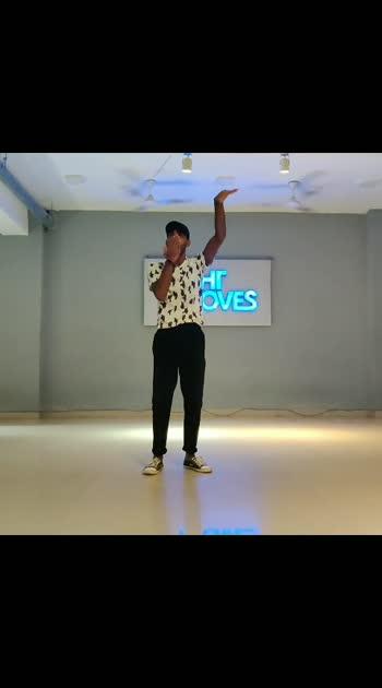 #follow #me #roposo #roposostar #danceindia #viwesmyvideo