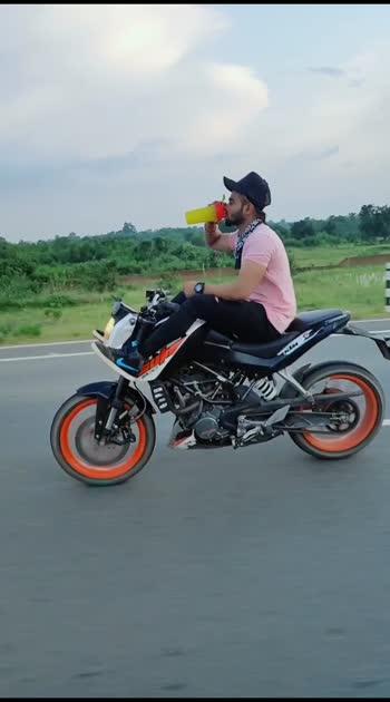 drinking protien while driving #roposostar #bike-stunt