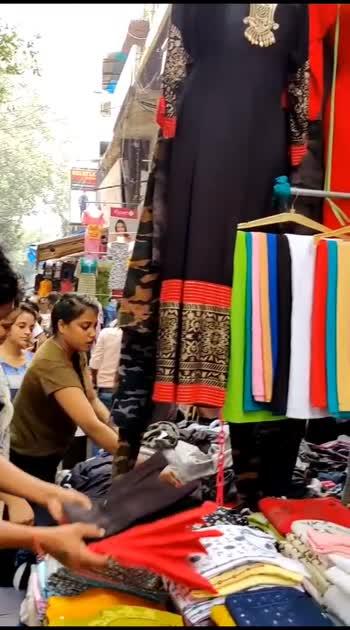 Sarojini Nagar Market #delhi #delhifashionblogger #delhigram #delhifashion #delhilifestyleblogger