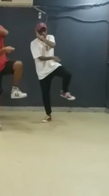 Rehersal footage #roposo #ropso #ropiso #roposostar #roposostars #roposo-beats #roposobeauty #roposodance #roposodancers #roposodancers #ropsoo-trends #roposobeauty