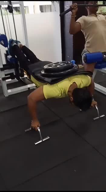 70 pound wat 15×6 rap  Pushups everyday .. #morningmotivation💋 #wednesdaymotivation #morning #fitnesslovers❤ #goodhelth👊🏻👊🏻👍🏻 #gymlover💕 #pullupseveryday💪😎b #nonveglover #hardwork #actorslife🎬 #asif #instagram #indian🇮🇳🇮🇳🇮🇳🇮🇳🇮🇳 #bodybuilding #💪💪💪 #followforfollowback #indianboys #mumbai #mumbaikar #helthyfood✌💚💚 #gymaddicted❤️ #goodday👌😊💋 #yellow #days #🏋️🏋️🏋️ #gymquotes #gymtime💪 #hardwell