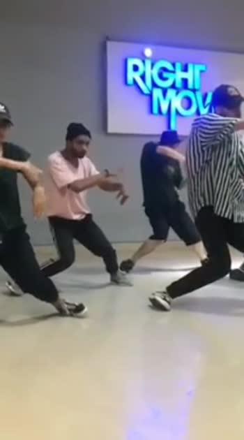 urban choreography rohan pal #roposo #dance #onethinkcrew #delhidancers #delhi #india #dence