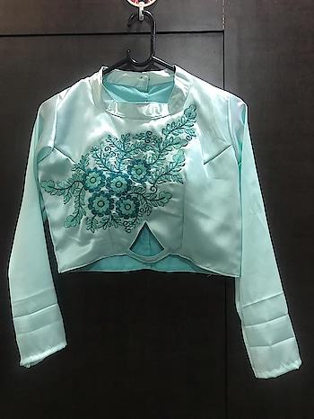 Sale sale sale 💃💃 Dashing Hina Khan Look A Like Lehenga Collection ♥ Price:- 1400/- For Similar Visit 👉 https://bit.ly/2VBkVLC To Order WhatsApp us (+91) 8097909000 * * * #lehengas #weddingwear #bridalwear #partywear #partywearlehenga #indianwedding #desiwedding #bollywoodstyle #lookalike #hinakhan #hina #celeb #fashionstar