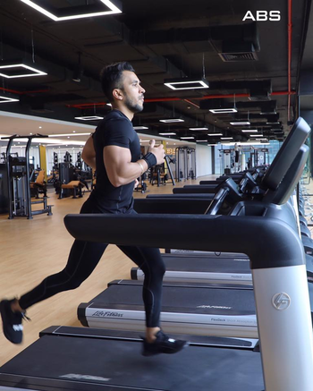 """""""The clock is ticking. Are you becoming the person you want to be?"""" #absfitnessnwellnessclub #absfitness #itsnotgymitslife #absolutelyalive #nashik #nashikfame #abworkout #gym #Traning #hardwork"""