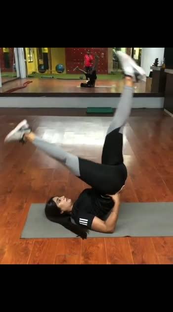 #yoga #yogalove #yogaday #yogainspiration #yogachallenge #yogaeveryday #yoga4roposo #yogaeverydamnday #yogapractice #yogateacher #yogaposes
