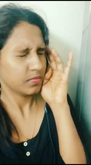 Recently addicted to the song🎶. Can't wait to post this 😍😇😇😇 Ne hi👋sona podhum #nehisonna #komali #trendingsong #tamiltuesday #jeyamravi #tamilmuser #schoollife #schoolgirl #filmistan-channel #filmistaanchannel #roposobeauty #roposobeatschannel #roposobeats #sruthibaskar