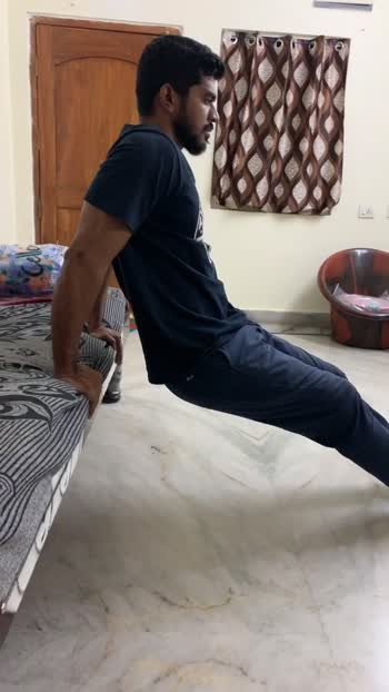 Triceps workout in home #triceps #tricepsworkout #workoutmotivation #workout #roposo