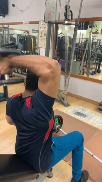 Single arm dumbbell for triceps #triceps #tricepsworkout #workoutmotivation #roposo
