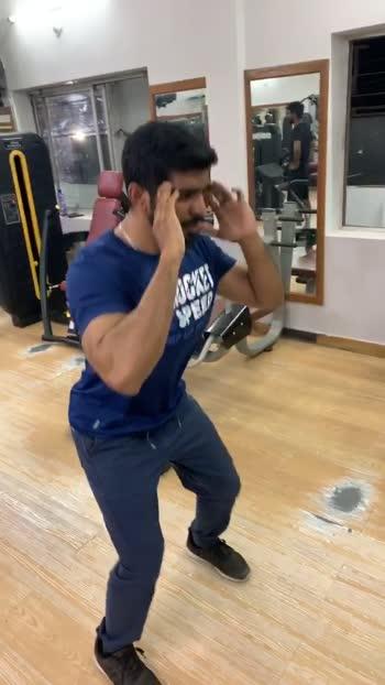 Free squats #squats #freesquats #squatsworkout #workout #workoutmotivation #roposo