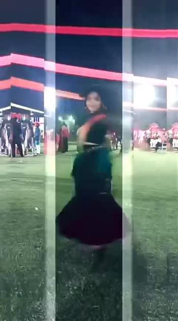 #garbanight ..ye dekho garba 😊 #dandiya #dandiyaraas #Navratra #garba 😊#roposostar #risingstar  #dance