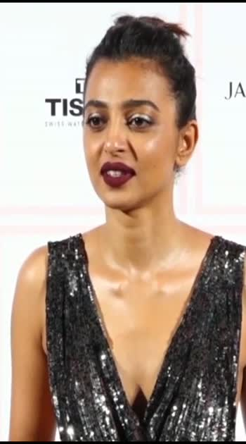 #Radhika Apte inconvenience with her Open Dress#