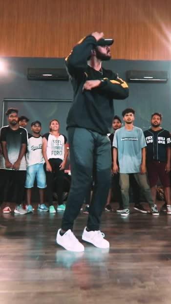 Slaying it as usual with his moves - Karthik Priyadarshan #urban #hiphop #hiphopdance #thekings #kingsunited #kingsunitedindia #roposo #roposostar