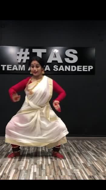 #aigirinandini #classicaldance #choreography @rpprroposoindia18 @roposoofficial1 #loveroposo #happydussehra #aatasandeep #dancewithme #learnstepsroposo