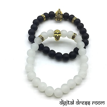 Golden Bracelets with Knight Spartan Warrior Hamlet Skull Charms Collection Bracelets📿 Item Code:(🔎14MBR36-449) #bracelet #bracelets #blackbracelet #whitebracelet #multilayerbracelet #golden #goldenbracelet #jewelry #jewellery #gifts #partywear #mensbracelet #accessories #mensaccessories #traditionaljewelry #indianjewelry #westernjewelry #westernoutfit #westernfashion #fashionjewelry #fashionblogger #jewelrylovers #couplejewelry #charmbracelet #mensjewelry #salmankhanbracelet #mensfashion #layeredbracelet
