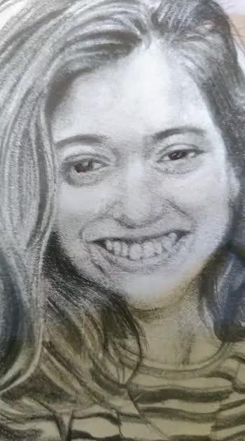 Hi guys!!!!!!😎😎  Hit ❤️ if you like her.😉😉 . . . #tiktokstar #tiktok #salon.e #sketching #drawing #portraitdrawing  #pencilsketch