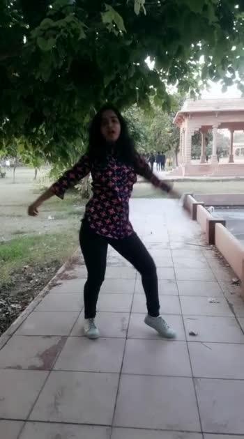 dance video on #makhna #makhna_honey_singh #dance #dancer